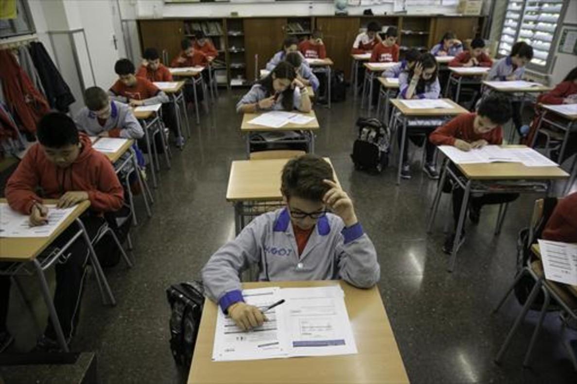Prueba de sexto de primaria en una escuela de Barcelona, en mayo.