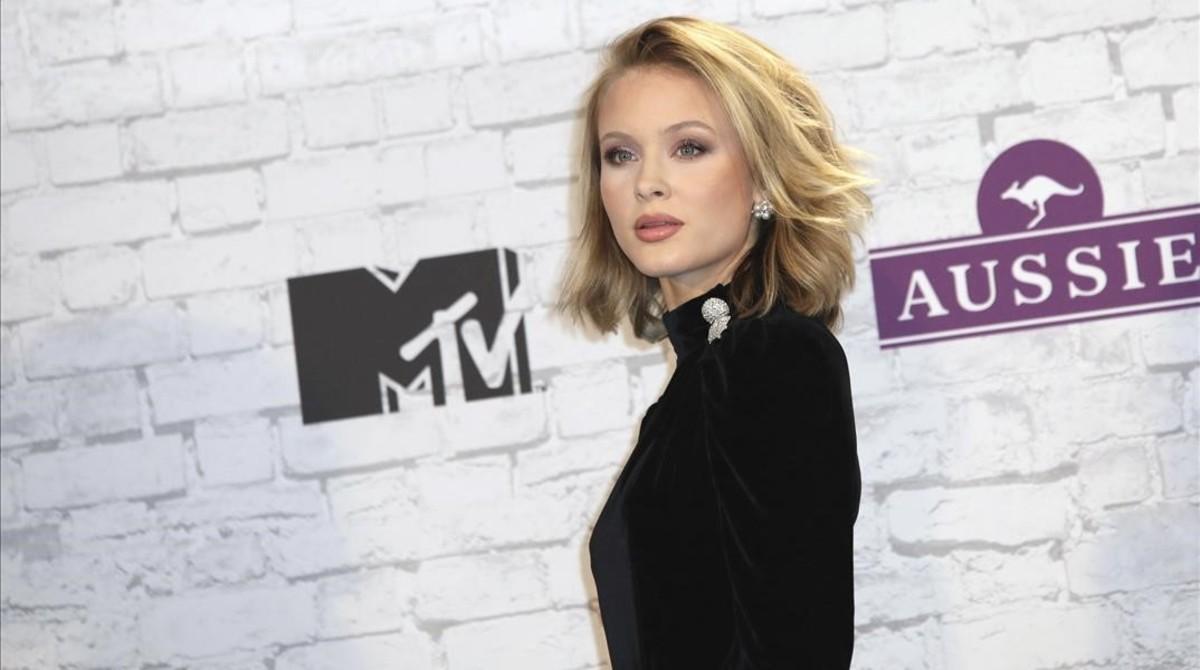 Zara Larsson, en la alfombra roja de los MTV.