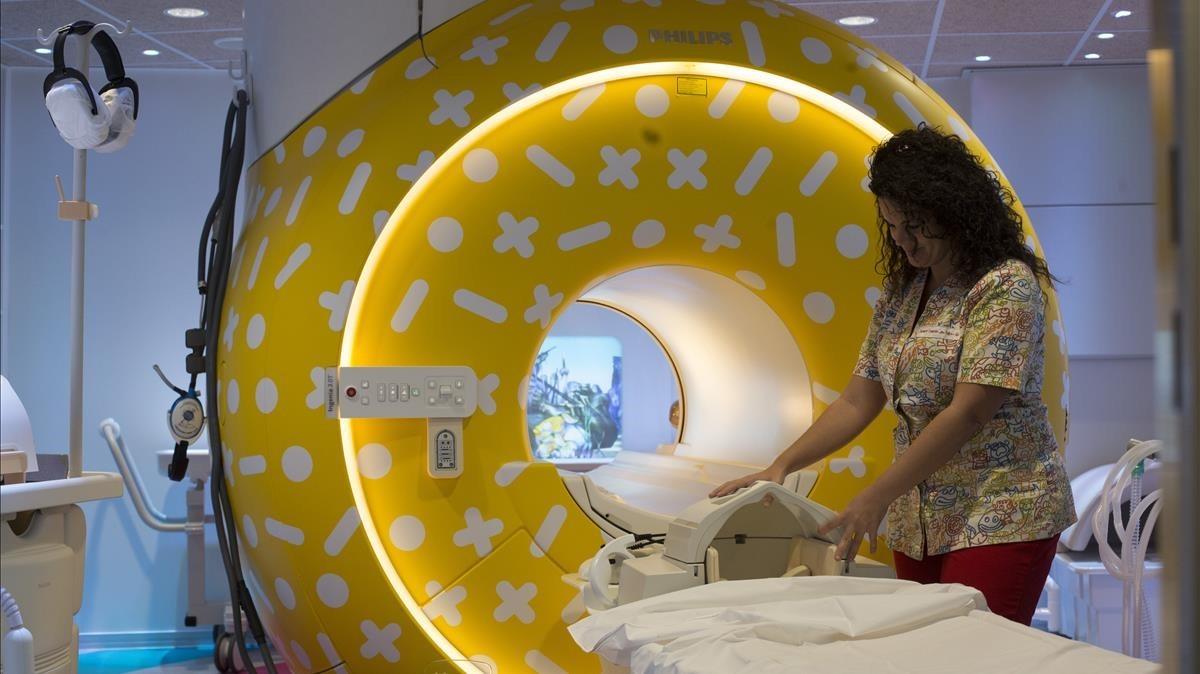 Tubo de resonancia magnética en el Hospital de Sant Joan de Déu.