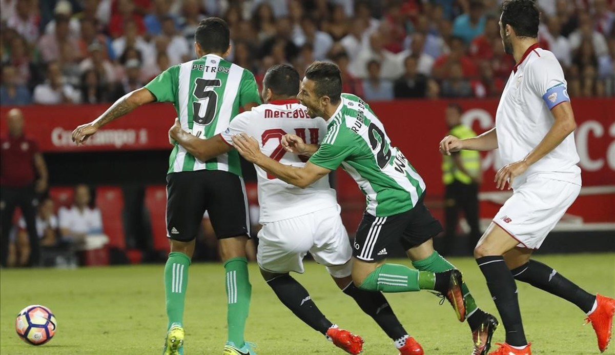 El Sevilla-Betis de la primera vuelta en el Pizjuán.