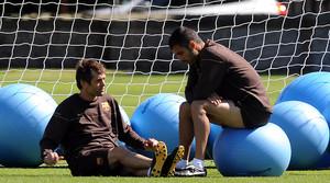 Tito i Guardiola xerren durant un entrenament.