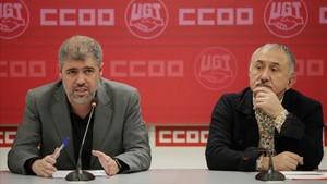 Unai Sordo (izquierda) y Pepe Álvarez (derecha), presiden la reunión de las ejecutivas de CCOO y UGT,celebrada hoy.