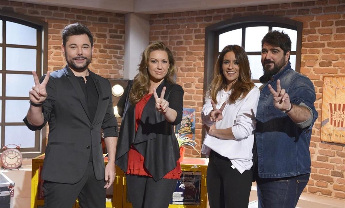 De izquierda a derecha, Miguel Poveda, Niña Pastori, Bebe y Antonio Orozco, asesores de La voz.