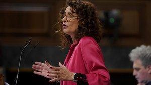 La ministra de Hacienda, María Jesús Montero, en el debate sobre la totalidad del proyecto de ley de Presupuestos del Estado para el 2019.