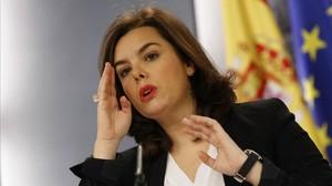 La vicepresidenta del Gobierno, Soraya Sáenz de Santamaría, en unarueda de prensa posterior al Consejo de Ministros.