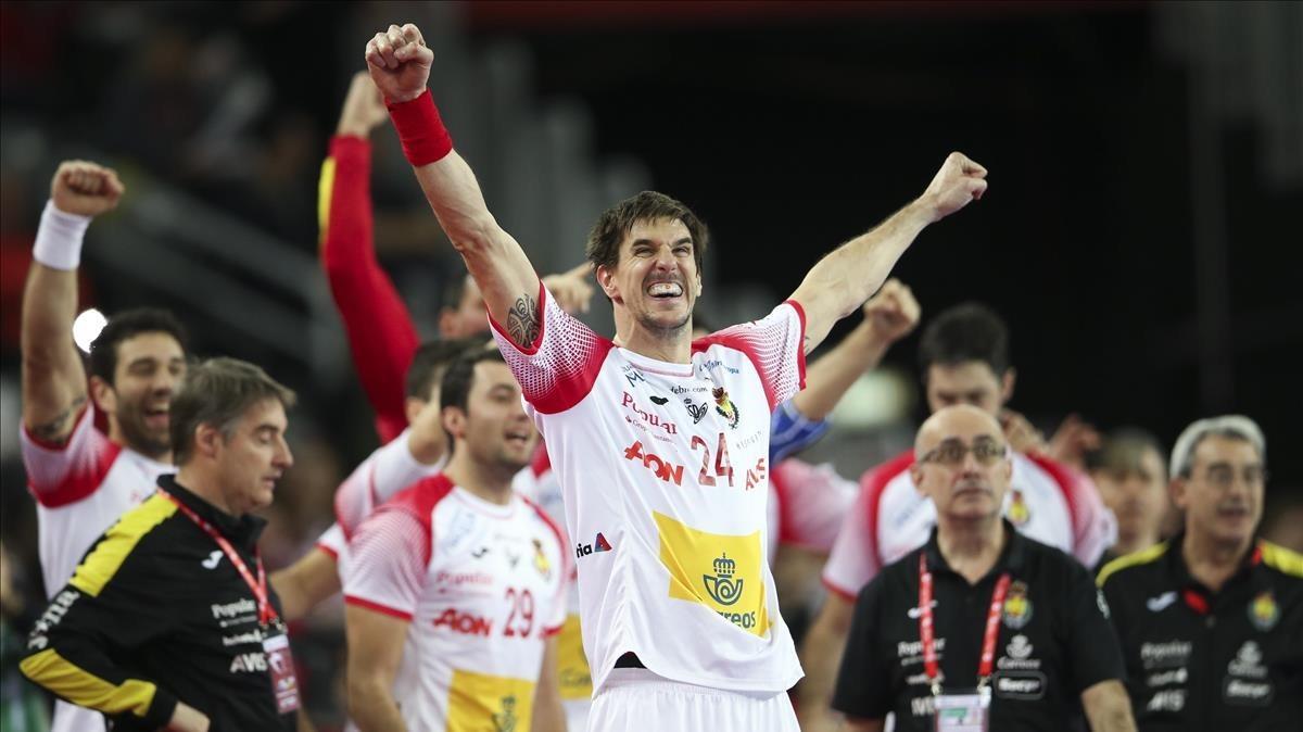 Viran Morros celebra un gol de España.