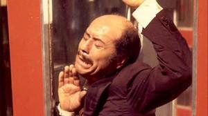 José Luis López Vázquez en una de las escenas de La cabina.