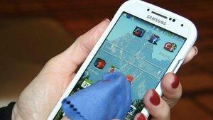 ¿Com podem desinfectar el mòbil?
