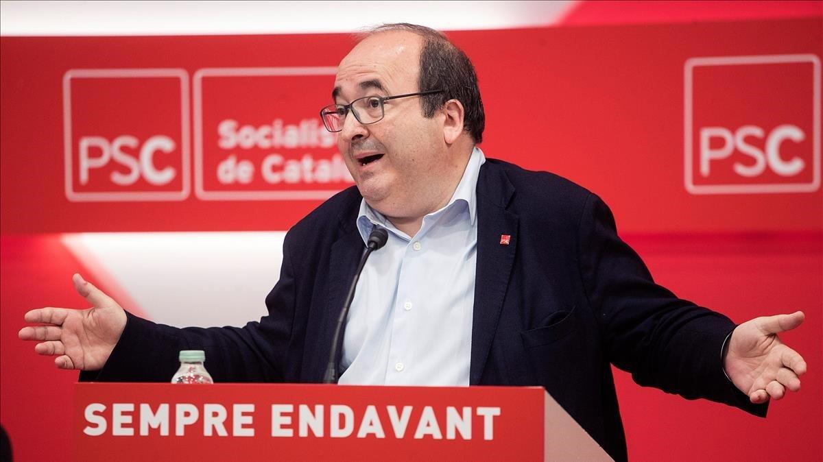 El primer secretario del PSC, Miquel Iceta, interviene en el Consell Nacional.
