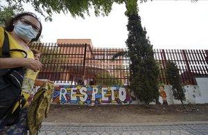 Colegio República de Uruguay en el distrito de Aluche (Madrid), donde han sido aisladas varias aulas porcontagios de covid-19.