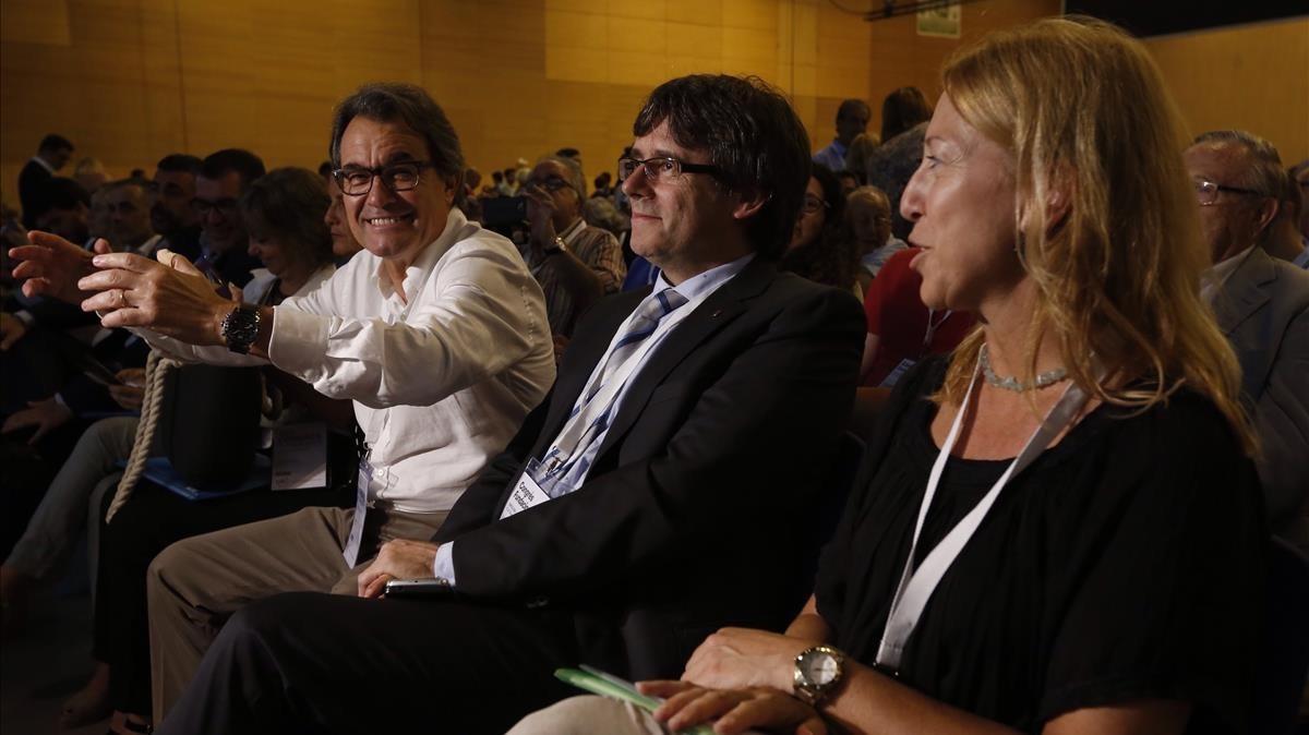 Artur Mas, Carles Puigdemont y Neus Munté, en el congreso de refundación de CDC.