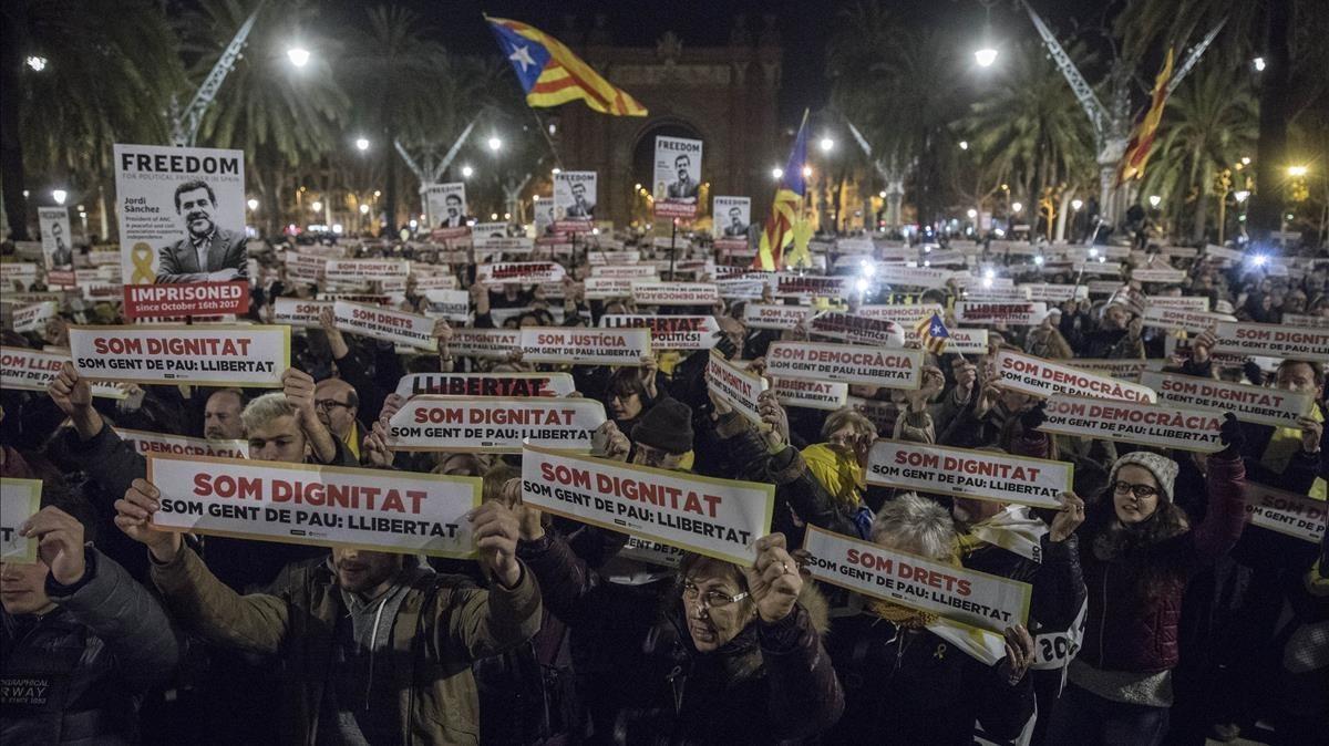 zentauroepp41629827 barcelona 16 01 2017 manifestaci n y concentraci n en el p180116213409