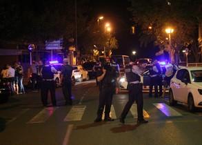 Los Mossos d Esquadra abaten cuatro presuntos terroristas en Cambrils.