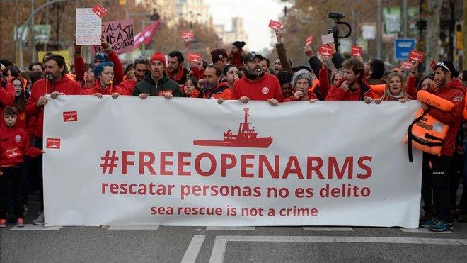 Manifestación en Barcelona para que el Open Arms pueda zarpar