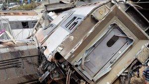 Al menos 6 muertos y 86 heridos al descarrilar un tren de pasajeros en Marruecos
