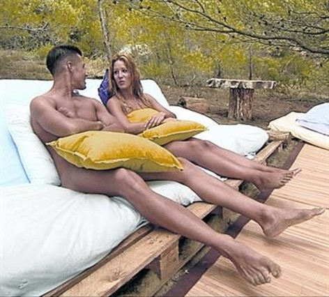 Alejandro y Sonia, los primeros participantes de 'Adán y Eva'.
