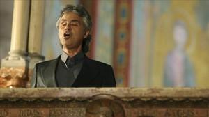 El tenor Andrea Bocelli.