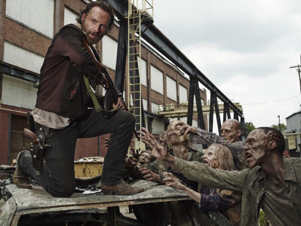 Andrew Lincoln, en el papel de Rick Grimes, protagonista de The walking dead.