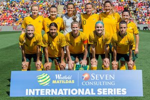 Sydney (Australia).- (FILE) - Matildas pose for a group photo ahead of the first International friendly match between the Australia Matildas and Chile at Panthers Stadium in Sydney, Australia, 10 November 2018 (reissued 06 November 2019). Australia's top women soccer players will earn the same as their male counterparts after a landmark deal was signed on 06 November 2019 to close the gender pay gap between men and women's national teams. (Futbol, Amistoso) EFE/EPA/CRAIG GOLDING AUSTRALIA AND NEW ZEALAND OUT