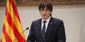 Carles Puigdemont durante la declaración institucional por la muerte de Muriel Casals.