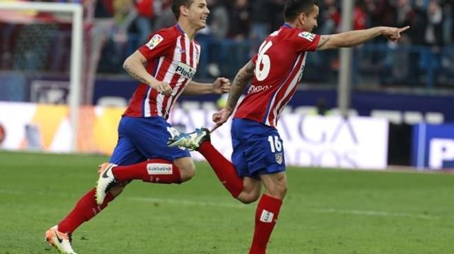 El Atlético sufre para deshacerse de un Málaga agresivo