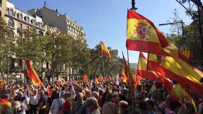 El constitucionalisme clama al carrer contra el procés