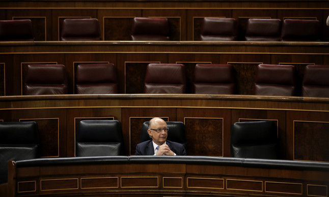 Cristóbal Montoro, en la sesión de control de este miércoles.