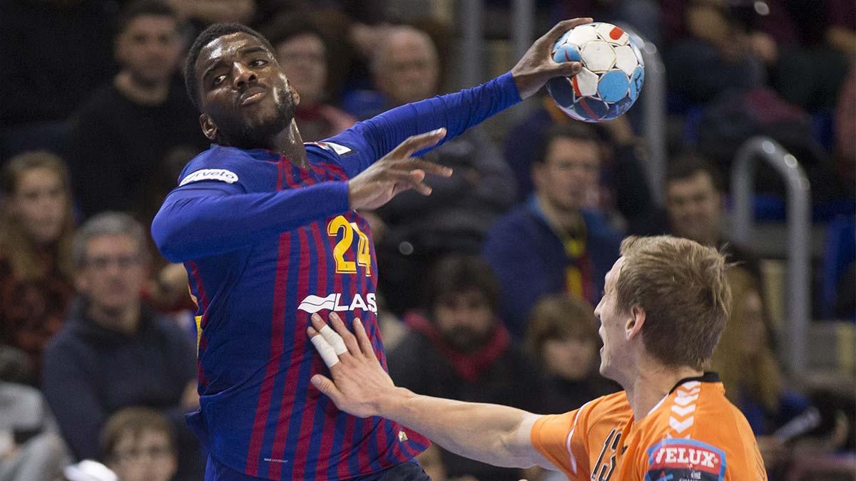 Dika Mem, lateral del Barça de balonmano y campeón del mundo con Francia: 'Me han insultado, me han hecho el ruido del mono, me han tirado un plátano...'