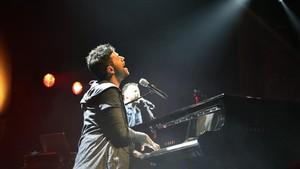 El cantante y pianista malagueñoPablo López durante su actuación en el Liceu.
