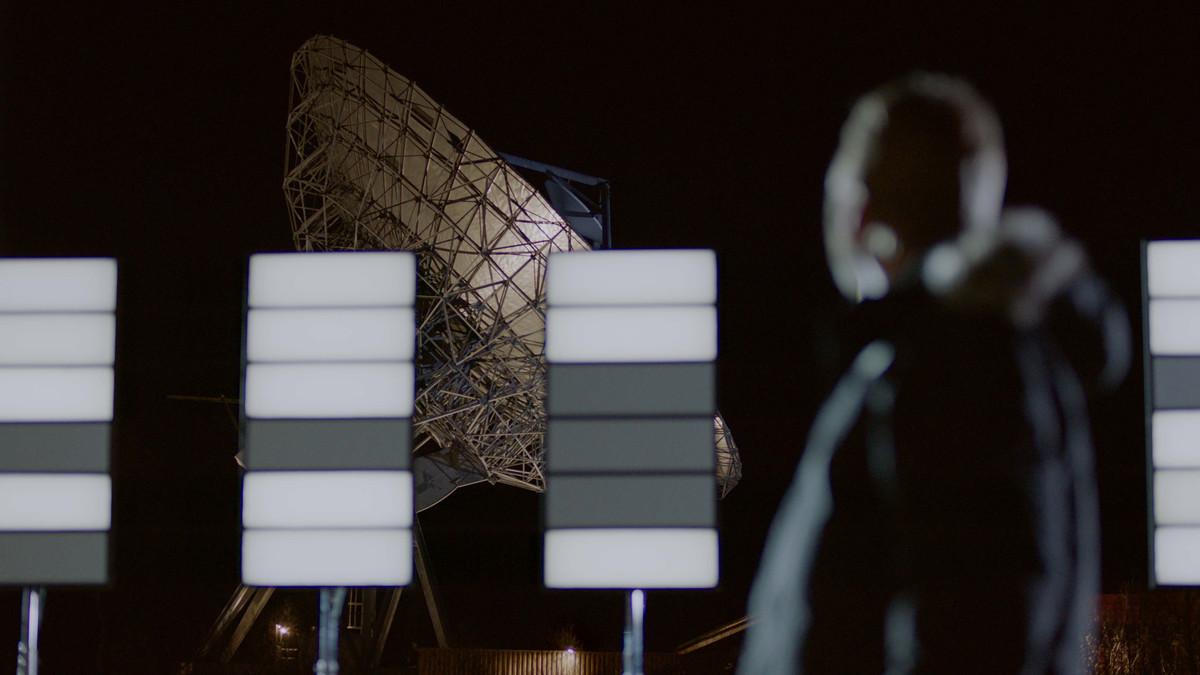 Gran antena parabólica desde donde salió la señal de radio, en Tromsø, Noruega