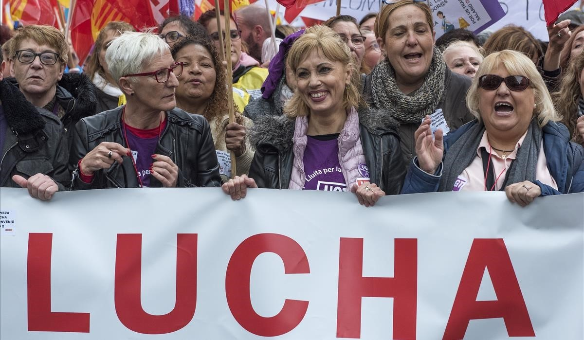 Primera huelga feminista de la historia en Barcelona.