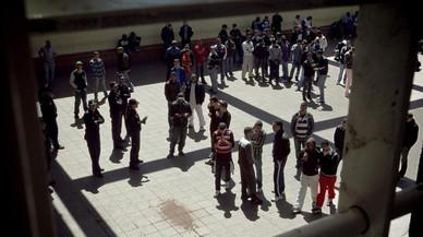 Las entidades destapan la presencia de menores en el CIE de Barcelona