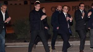 Els exconsellers Romeva, Mundó, Rull i Turull surten de la presó després de pagar la fiança