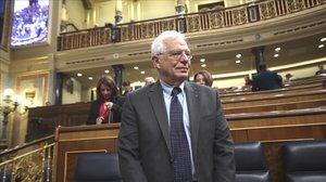 El ministro de Exteriores, Josep Borrell, en una sesión de control en el Congreso.