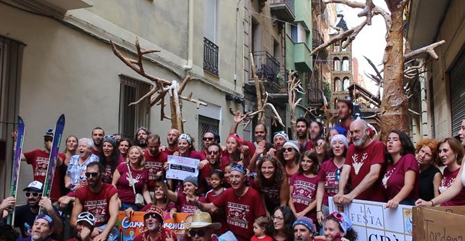 La Travessia de Sant Antoni es la calle ganadora y en el acto de cierre se realiza un homenaje a las víctimas del atentado terrorista.