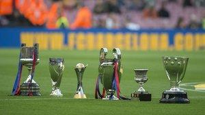 Las seis copas conseguidas en el 2009 sobre el Camp Nou en el décimo anivesario del sextete del Barça de Pep Guardiola.