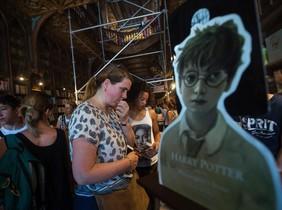 La librería Lello de Oporto, donde J. K. Rowling se inspiró para Harry Potter, a punto para la presentación mundial del nuevo libro de la saga.