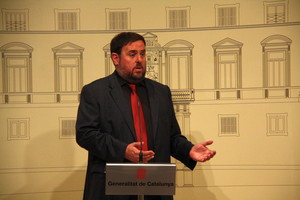 El líder de ERC, Oriol Junqueras, comparece ante los medios, este sábado en el Palau.