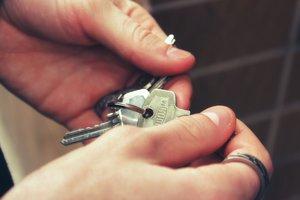 Las 10 surrealistas reglas de este anuncio para buscar compañero de piso