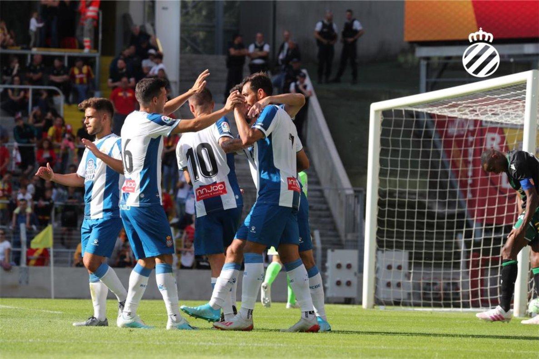 Los jugadores del Espanyol celebran el 1-2 de Ferreyra al Lens.