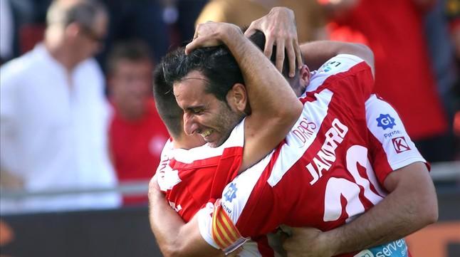 Los jugadores del Girona celebran un gol ante el Depor en Montilivi.