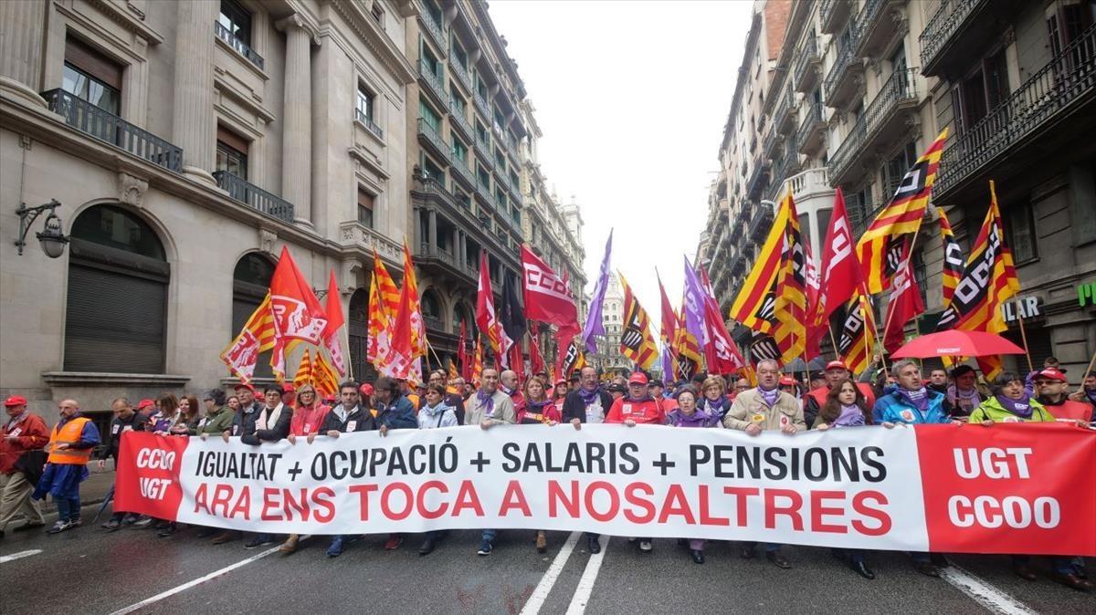La manifestación de Barcelona, a su paso por Via Laietana.