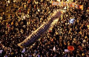 Manifestación masiva en Bogotá en favor de la paz.