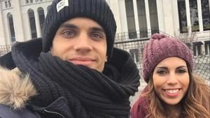 Marc Bartra y Melissa Jiménez, hace tres Navidades, en Nueva York.
