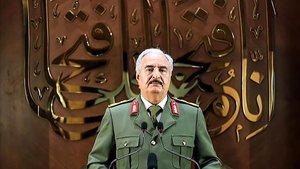 El mariscal Jalifa Hafter, durante el discurso televisado.