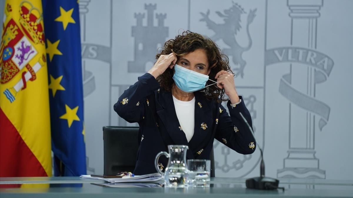 """El Gobierno espera que el """"cambio de posición"""" de Casado no sea por el 12-J"""