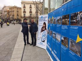 Els regidors Miquel Àngel Vadell i Juan Carlos Jerez a la plaça de Santa Anna.
