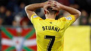 Stuani se lamenta en una jugada del partido en Eibar.