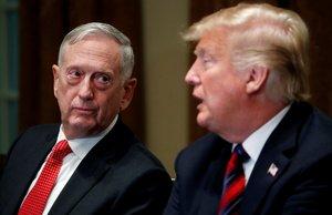 El secretario de Defensa, James Mattis, junto al presidente de EEUU, Donald Trump, el pasado octubre.
