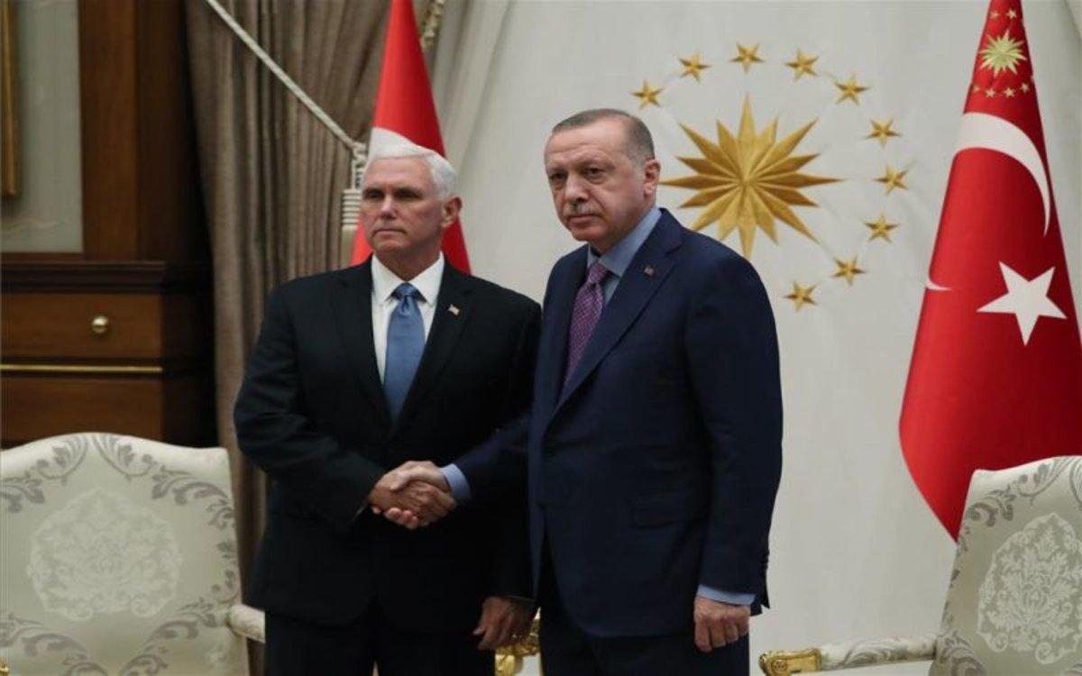 El vicepresidente de los EEUU, Mike Pence y el presidente de Turquía,Recep Tayyip Erdogan.